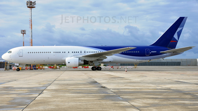 N767FF - Boeing 767-383(ER) - Private