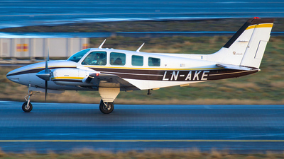 LN-AKE - Beechcraft 58 Baron - Private