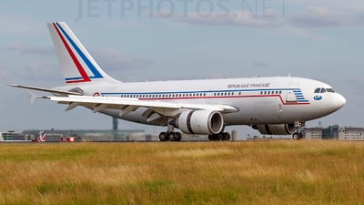422 - Airbus A310-304 - France - Air Force