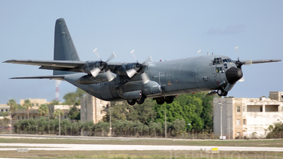 5227 - Lockheed C-130H-30 Hercules - France - Air Force