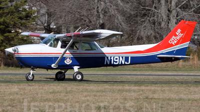 A picture of N19NJ - Cessna 172P Skyhawk - Civil Air Patrol - © Joe Osciak