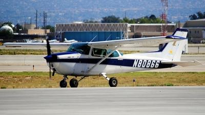 A picture of N80866 - Cessna 172M Skyhawk - [17266780] - © Oscar Elvir Vasquez