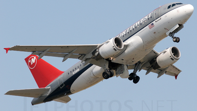 N318NB - Airbus A319-114 - Northwest Airlines