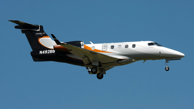 A picture of N492BB - Embraer Phenom 300 - [50500018] - © Angel Natal