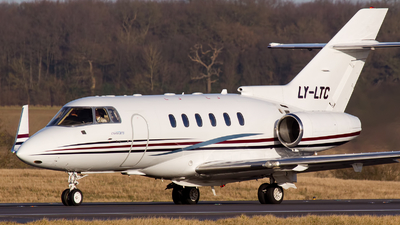 LY-LTC - Hawker Beechcraft 800XP - CharterJets