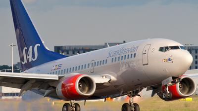 LN-RCW - Boeing 737-683 - Scandinavian Airlines (SAS)