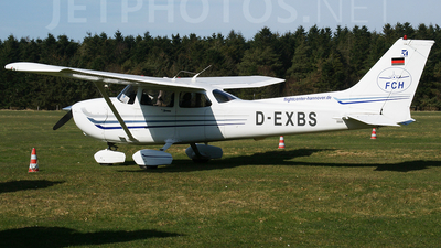 D-EXBS - Cessna 172S Skyhawk SP - Flight Center Hannover (FCH)