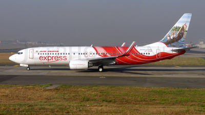 VT-AXR - Boeing 737-8HG - Air India Express