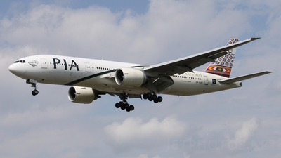 AP-BHX - Boeing 777-240(ER) - Pakistan International Airlines (PIA)
