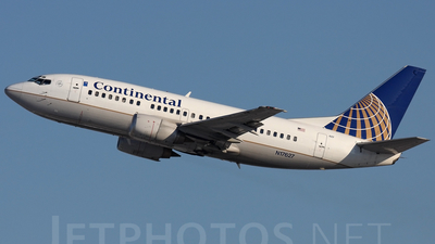 N17627 - Boeing 737-524 - Continental Airlines