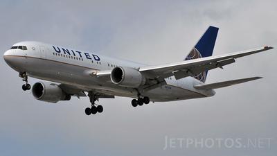 N67158 - Boeing 767-224(ER) - United Airlines