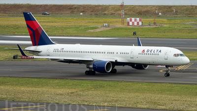 A picture of N641DL - Boeing 757232 - [23995] - © Geoff Landes