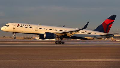 N640DL - Boeing 757-232 - Delta Air Lines