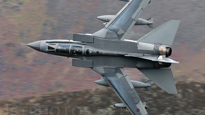 ZD811 - Panavia Tornado GR.4 - United Kingdom - Royal Air Force (RAF)