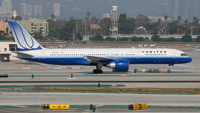 N576UA - Boeing 757-222 - United Airlines
