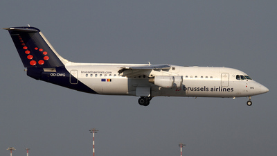 OO-DWG - British Aerospace Avro RJ100 - Brussels Airlines