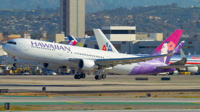 N582HA - Boeing 767-33A(ER) - Hawaiian Airlines