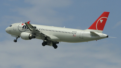 N355NW - Airbus A320-212 - Northwest Airlines