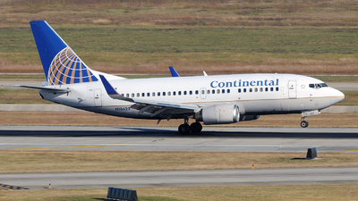 N18622 - Boeing 737-524 - Continental Airlines