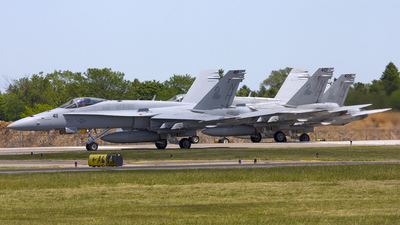 165199 - McDonnell Douglas F/A-18C Hornet - United States - US Navy (USN)