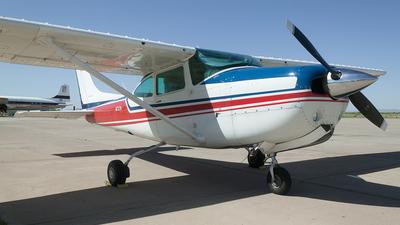 A picture of N1737R - Cessna R182 Skylane RG - [R18200541] - © Felipe García