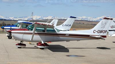A picture of CGWOP - Cessna 172L Skyhawk - [17260730] - © Mike MacKinnon