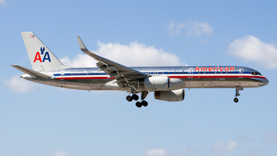 A picture of N696AN - Boeing 757223 - [26976] - © Sebastian Sowa