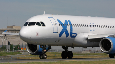 F-GTHL - Airbus A320-212 - XL Airways France