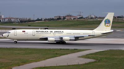 D2-MAN - Boeing 707-321B - Angola - Government