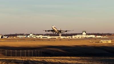 KCVG - Airport - Runway