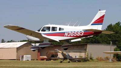A picture of N36583 - Piper PA28161 - [287816647] - © Kevin Porter