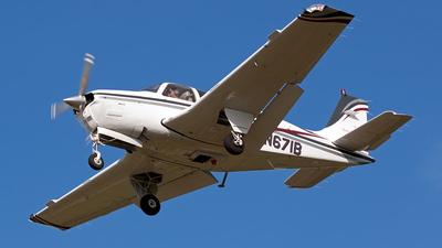 A picture of N671B - Beech A36 Bonanza - [E3409] - © Robert Burke