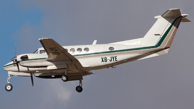XB-JYE - Beechcraft B200 Super King Air - Private