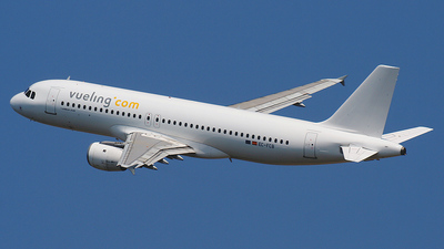 EC-FCB - Airbus A320-211 - Vueling Airlines
