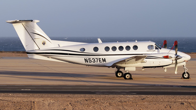 N537EM - Beechcraft B200 King Air - Private