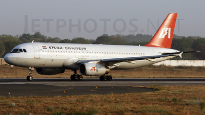 VT-EPF - Airbus A320-231 - Indian Airlines