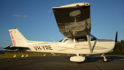 A picture of VHYRE - Cessna 172S Skyhawk SP - [172S10472] - © Elliott Johnston