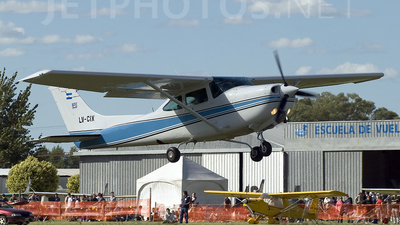 LV-CIX - Cessna TR182 Turbo Skylane RG - Private