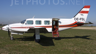 OE-FSL - Piper PA-31-310 Navajo C - Private