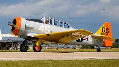 N645DS - North American SNJ-5 Texan - Private