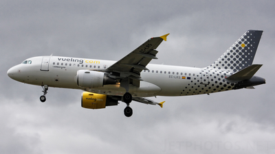 EC-LRS - Airbus A319-112 - Vueling Airlines