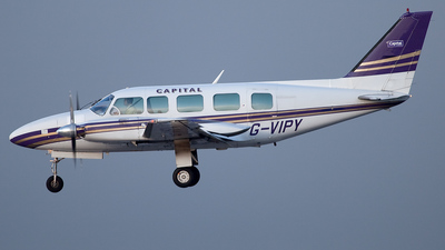 G-VIPY - Piper PA-31-350 Navajo Chieftain - Capital Aviation