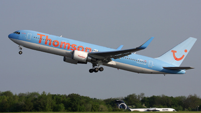 G-OBYI - Boeing 767-304(ER) - Thomson Airways