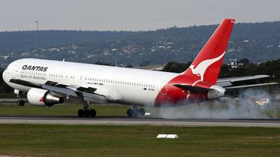 VH-OGJ - Boeing 767-338(ER) - Qantas