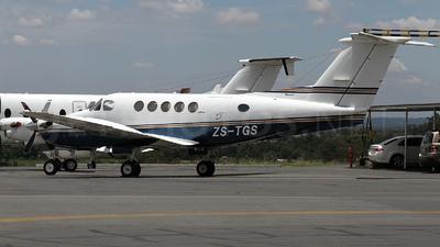 ZS-TGS - Beechcraft B200 Super King Air - Private