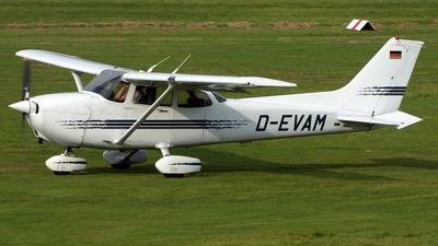 A picture of DEVAM - Cessna 172R Skyhawk -  - © Marius Hoepner