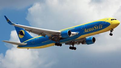 UR-AAI - Boeing 767-33A(ER) - AeroSvit Ukrainian Airlines
