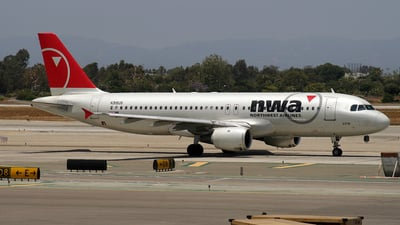 N319US - Airbus A320-211 - Northwest Airlines