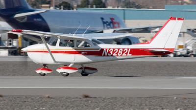 A picture of N3282L - Cessna 172H Skyhawk - [17256182] - © Ryan Coulter