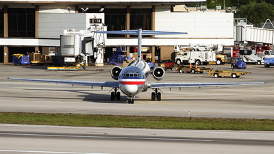 N498AA - McDonnell Douglas MD-82 - American Airlines